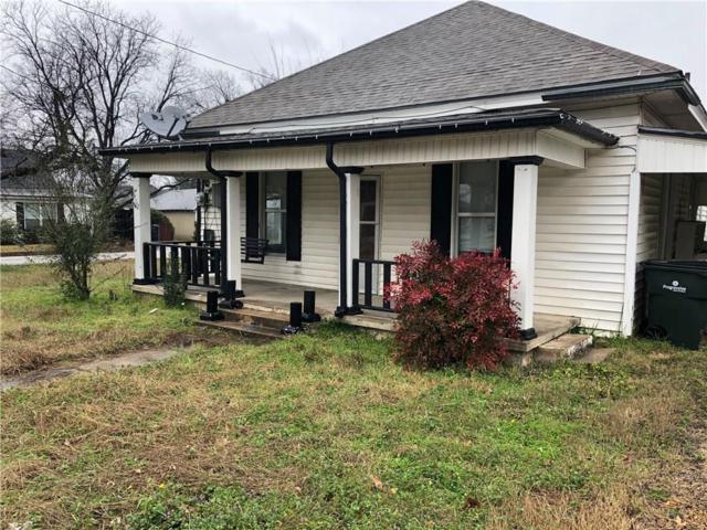 402 S 3rd Street, Sanger, TX 76266 (MLS #14027720) :: Roberts Real Estate Group