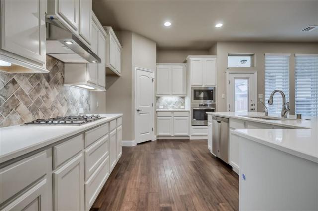 1108 Hoyt Drive, Mckinney, TX 75071 (MLS #14031172) :: Robbins Real Estate Group