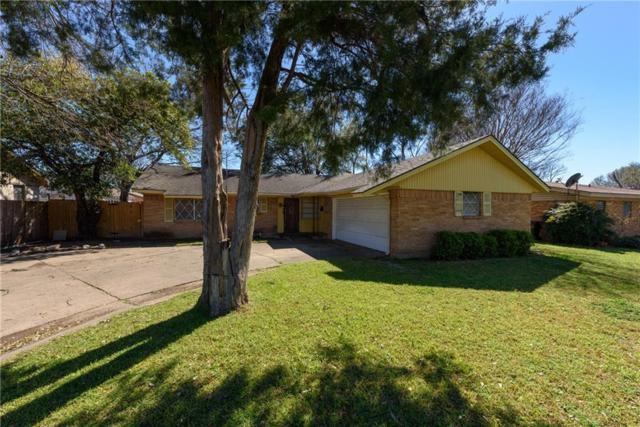 1828 Highland Drive, Carrollton, TX 75006 (MLS #14043440) :: RE/MAX Town & Country
