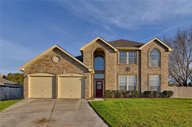 2352 Warrington Drive, Grand Prairie, TX 75052 (MLS #14045311) :: Century 21 Judge Fite Company