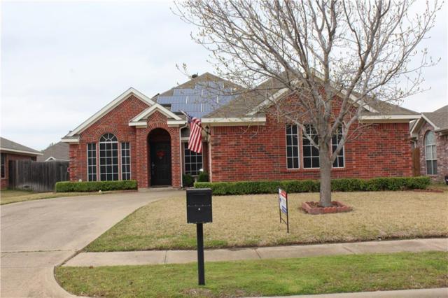 225 Mentor Drive, Arlington, TX 76002 (MLS #14049893) :: Century 21 Judge Fite Company