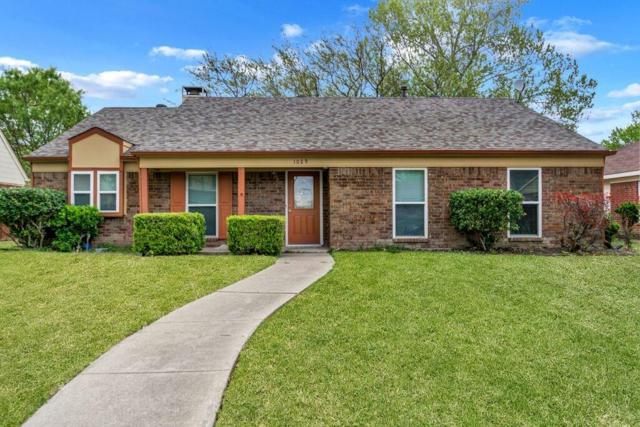 1029 Melissa Lane, Garland, TX 75040 (MLS #14055548) :: Frankie Arthur Real Estate