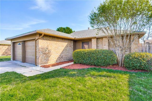 306 Blueleaf Drive, Arlington, TX 76018 (MLS #14059988) :: RE/MAX Landmark