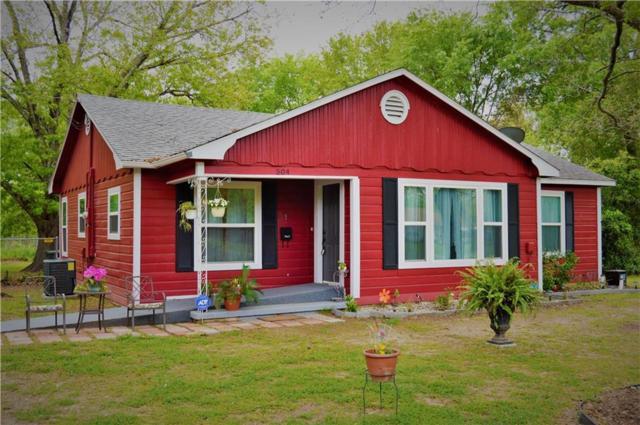 504 SE 3rd Street, Kerens, TX 75144 (MLS #14061344) :: RE/MAX Town & Country