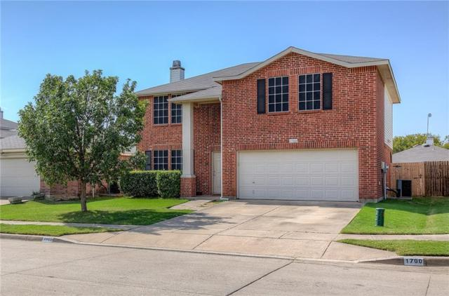 1700 Arbuckle Drive, Fort Worth, TX 76247 (MLS #14064347) :: RE/MAX Town & Country