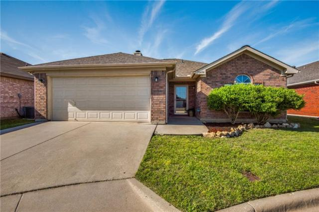 10404 Fossil Hill Drive, Fort Worth, TX 76131 (MLS #14064933) :: RE/MAX Town & Country