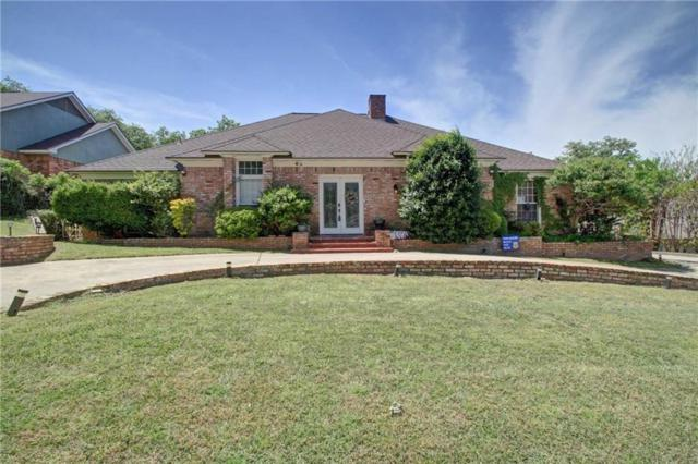 812 Larkspur Lane, Fort Worth, TX 76112 (MLS #14065184) :: The Hornburg Real Estate Group
