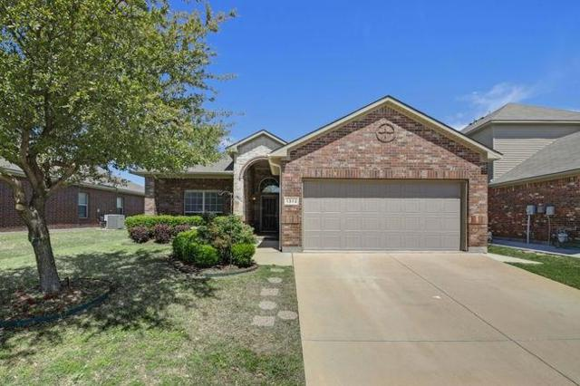 1372 Zanna Grace Way, Fort Worth, TX 76052 (MLS #14066062) :: Frankie Arthur Real Estate