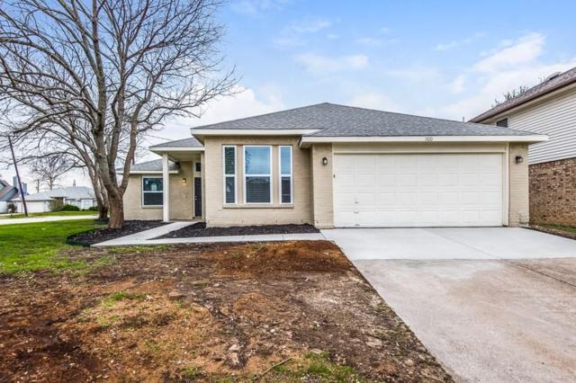 1100 Orangewood Lane, Arlington, TX 76001 (MLS #14067139) :: The Hornburg Real Estate Group