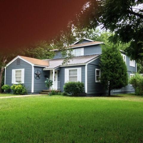 211 Almond Street, Waxahachie, TX 75165 (MLS #14067212) :: Van Poole Properties Group