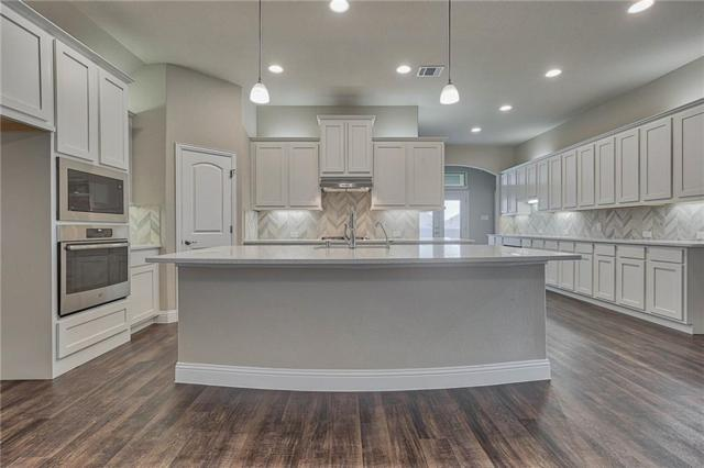2513 Linwood Drive, Mansfield, TX 76084 (MLS #14069675) :: RE/MAX Town & Country