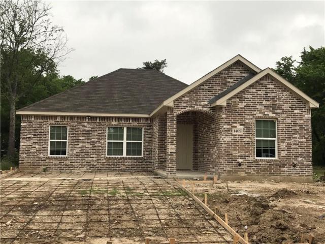 1409 E Arlington Avenue, Fort Worth, TX 76104 (MLS #14070675) :: Real Estate By Design