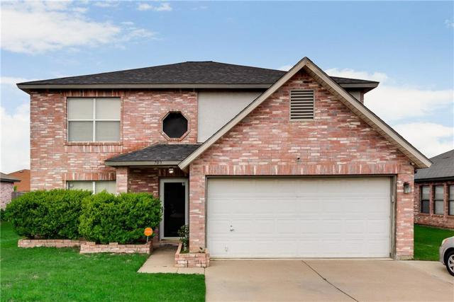 705 King Street, Cedar Hill, TX 75104 (MLS #14070790) :: Kimberly Davis & Associates