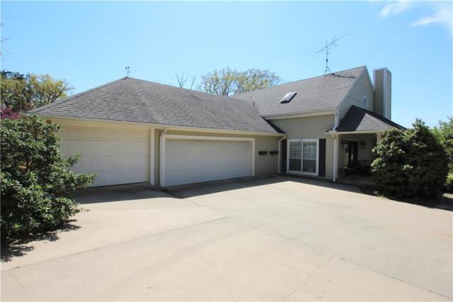 210 Kiowa Drive E, Lake Kiowa, TX 76240 (MLS #14071214) :: RE/MAX Town & Country