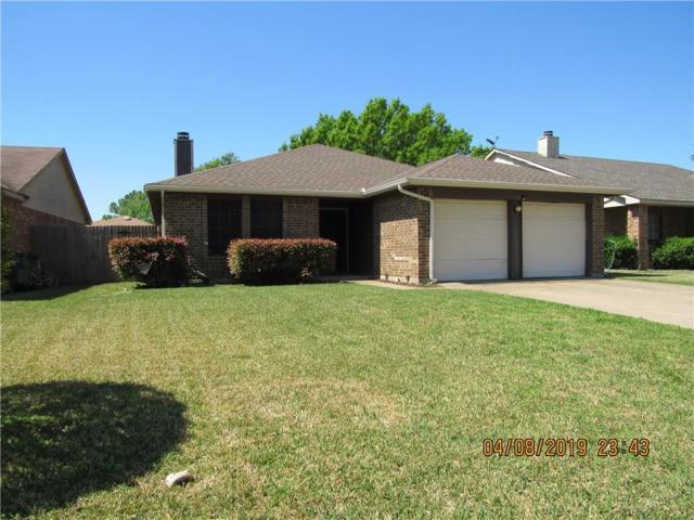 400 Hemlock Drive, Arlington, TX 76018 (MLS #14073634) :: RE/MAX Town & Country