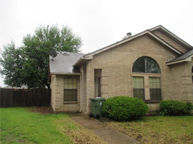 6405 Valleybrooke Court, Arlington, TX 76001 (MLS #14074909) :: RE/MAX Town & Country