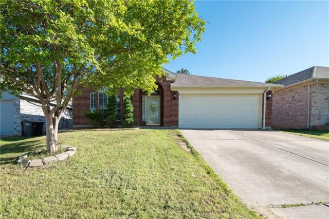 7720 Stonebank Court, Fort Worth, TX 76112 (MLS #14077261) :: NewHomePrograms.com LLC