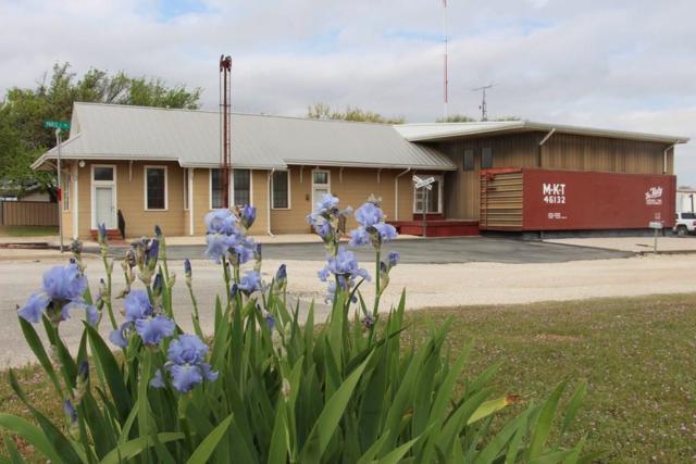 700 W Highway 82, Nocona, TX 76255 (MLS #14083937) :: Kimberly Davis & Associates