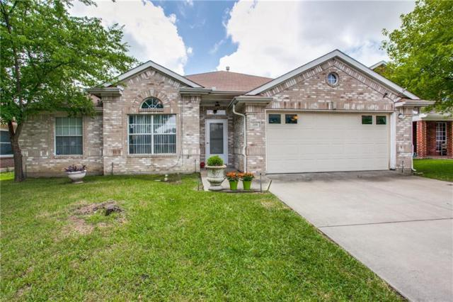 208 Westbrook Drive, Arlington, TX 76002 (MLS #14087929) :: Vibrant Real Estate