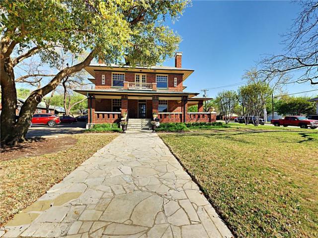 223 E College Street, Grapevine, TX 76051 (MLS #14088493) :: The Kimberly Davis Group