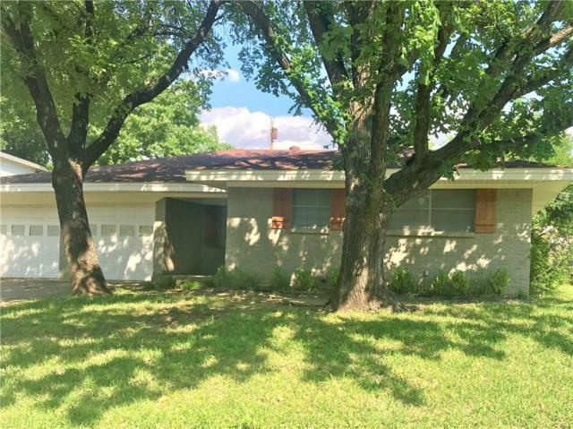 1509 Ridgeway Drive, Sherman, TX 75092 (MLS #14091301) :: Century 21 Judge Fite Company