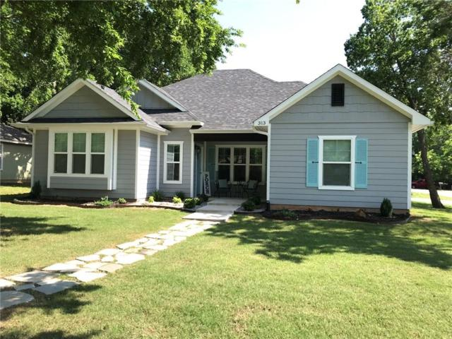 313 Texas Street, Pottsboro, TX 75076 (MLS #14091748) :: North Texas Team | RE/MAX Lifestyle Property