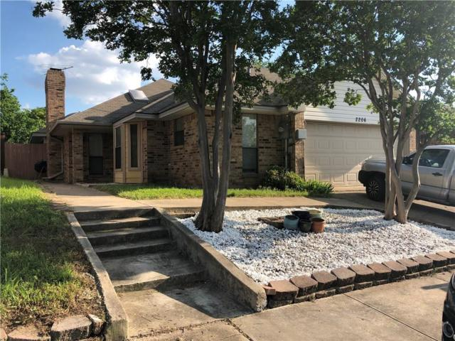 2206 Cedarcrest Drive, Carrollton, TX 75007 (MLS #14094144) :: Team Hodnett