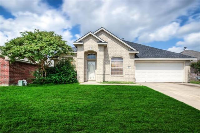 415 Watertown Lane, Arlington, TX 76002 (MLS #14094555) :: The Mitchell Group
