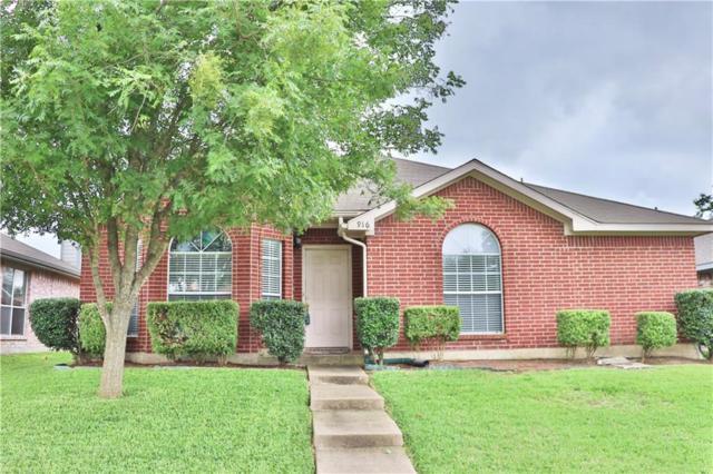 916 Applewood Drive, Cedar Hill, TX 75104 (MLS #14095094) :: The Rhodes Team