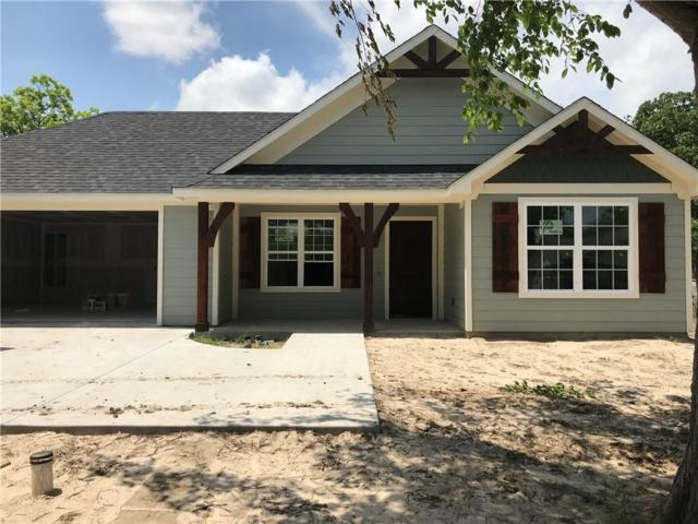 309 Oak Street, Sanger, TX 76266 (MLS #14095338) :: Kimberly Davis & Associates