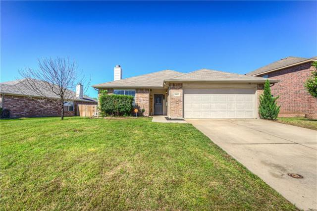 9453 Fox Hill Drive, Fort Worth, TX 76131 (MLS #14095590) :: RE/MAX Town & Country