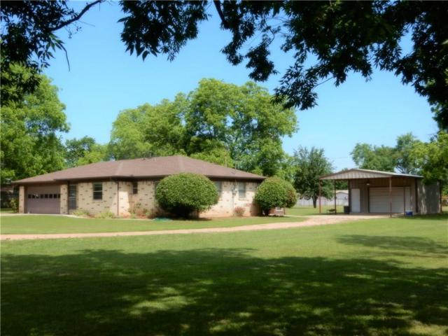203 N Prairie Street, Pilot Point, TX 76258 (MLS #14095959) :: RE/MAX Town & Country