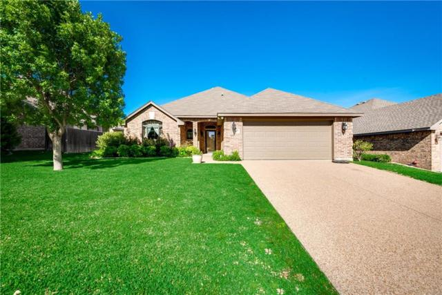 7413 Green Links Drive, Benbrook, TX 76126 (MLS #14096156) :: Potts Realty Group