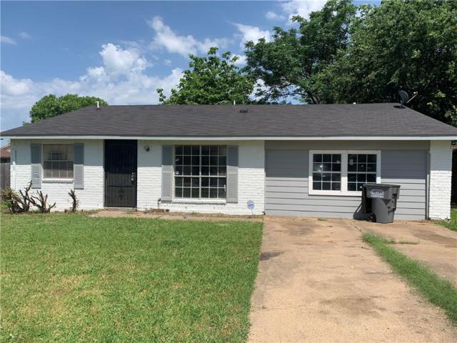 2746 Town North Drive, Lancaster, TX 75134 (MLS #14098123) :: Kimberly Davis & Associates