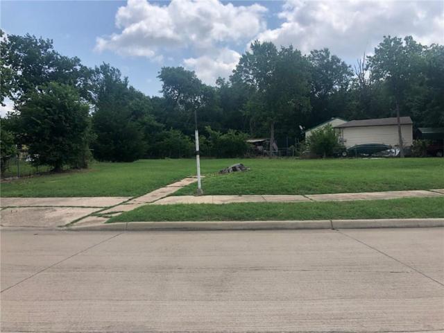 1629 Maple Drive, Garland, TX 75042 (MLS #14098708) :: NewHomePrograms.com LLC