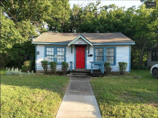 601 W Congress Street, Denton, TX 76201 (MLS #14098844) :: Team Tiller