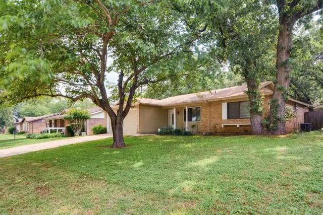 2705 Hilldale Boulevard, Arlington, TX 76016 (MLS #14098943) :: Century 21 Judge Fite Company