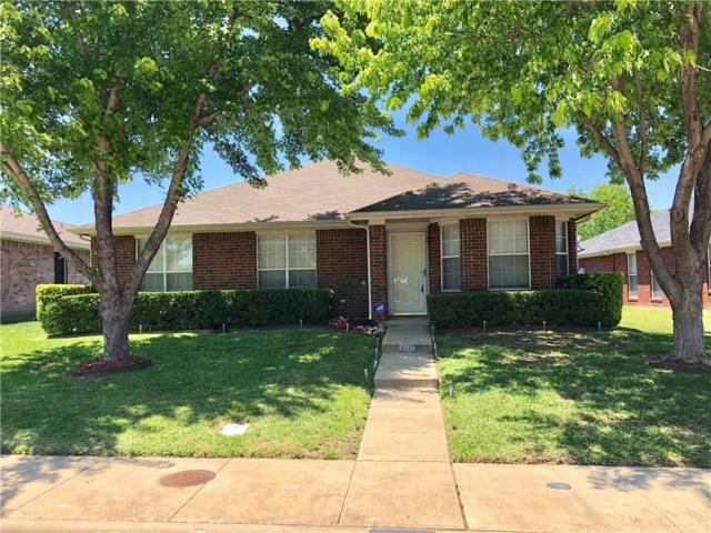 7909 Jubilant Drive, Dallas, TX 75237 (MLS #14099207) :: Kimberly Davis & Associates