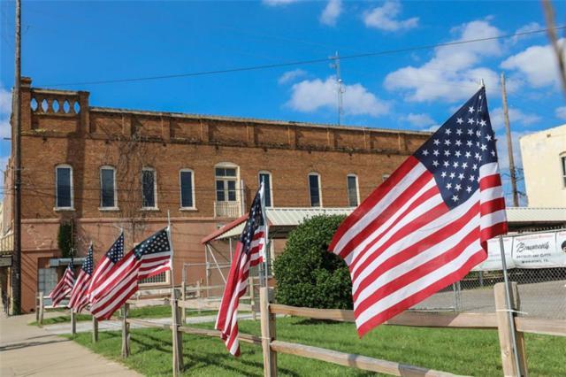 210 N Main Street, Winnsboro, TX 75494 (MLS #14101037) :: Lynn Wilson with Keller Williams DFW/Southlake