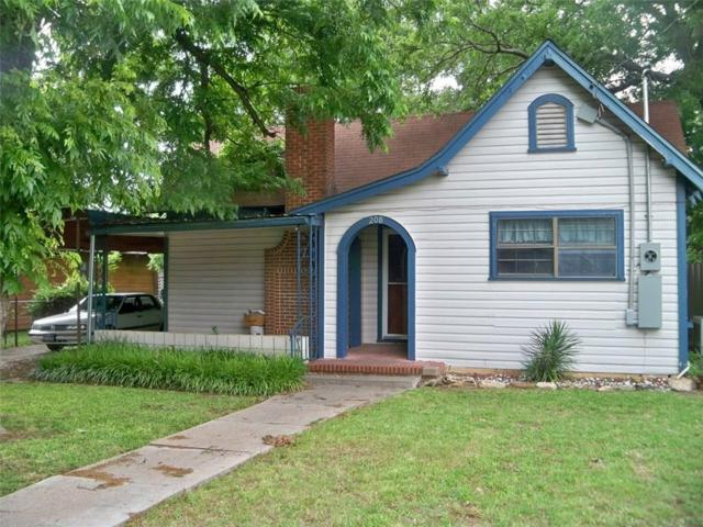 208 E 9th Street, Coleman, TX 76834 (MLS #14101893) :: RE/MAX Town & Country