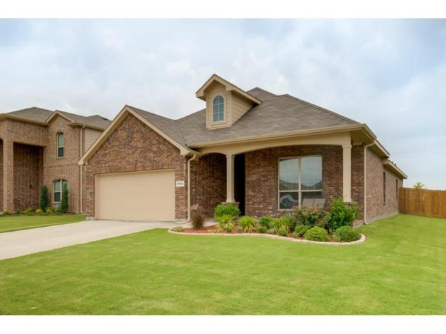 5112 Mountain View Drive, Krum, TX 76249 (MLS #14102509) :: The Heyl Group at Keller Williams