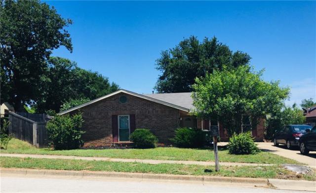 4211 Ravenhill Lane, Arlington, TX 76016 (MLS #14102922) :: Team Tiller