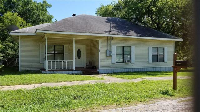 109 W Dallas Street, Wolfe City, TX 75496 (MLS #14102971) :: RE/MAX Town & Country