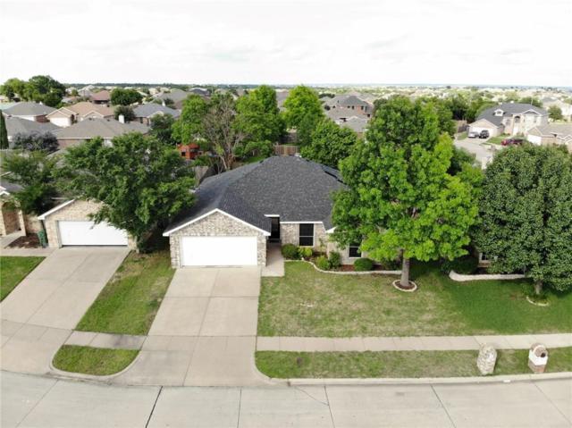 8025 Splitrail Court, Arlington, TX 76002 (MLS #14105456) :: RE/MAX Landmark