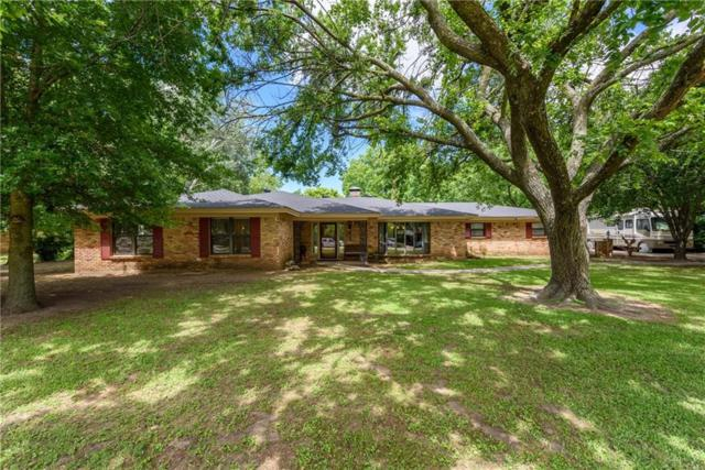 612 S Jefferson Street, Pilot Point, TX 76258 (MLS #14107662) :: The Heyl Group at Keller Williams