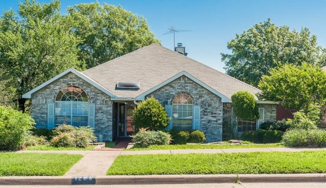 1206 White Drive, Cedar Hill, TX 75104 (MLS #14110980) :: The Heyl Group at Keller Williams