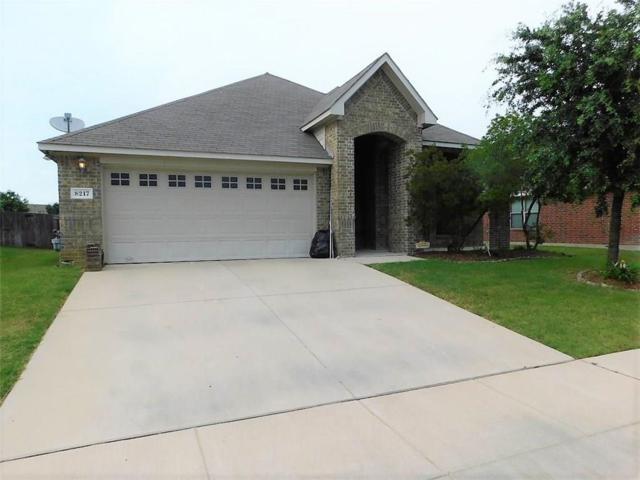 8217 Tierra Del Sol Road, Arlington, TX 76002 (MLS #14111400) :: RE/MAX Landmark