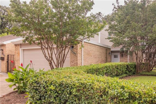 2707 Creek Wood Court, Carrollton, TX 75006 (MLS #14111656) :: The Hornburg Real Estate Group