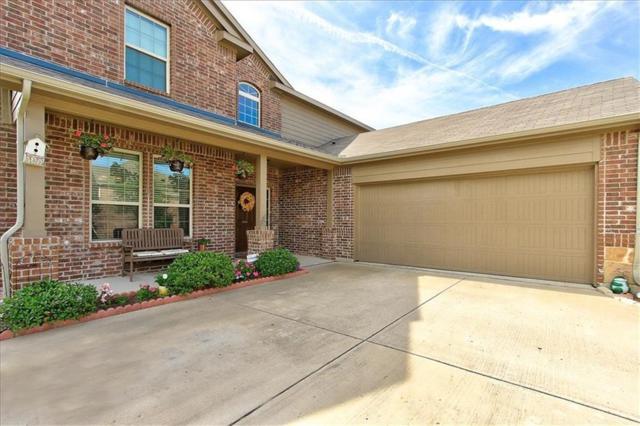 1501 Hanover Lane, Van Alstyne, TX 75495 (MLS #14111826) :: RE/MAX Town & Country