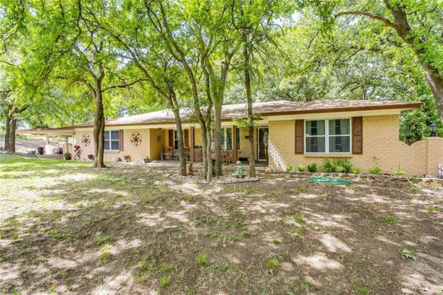 1517 Oakridge Court W, Azle, TX 76020 (MLS #14113100) :: RE/MAX Town & Country
